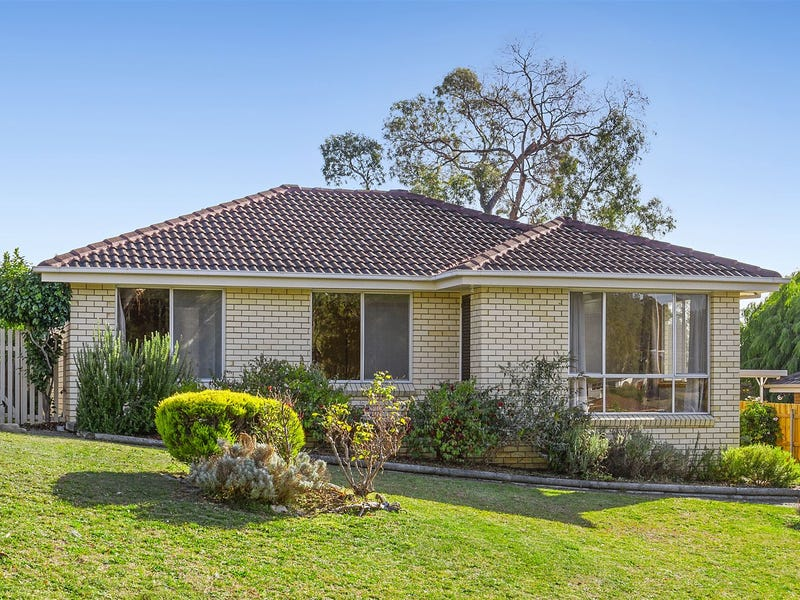 25 Calder Crescent, Blackmans Bay, Tas 7052