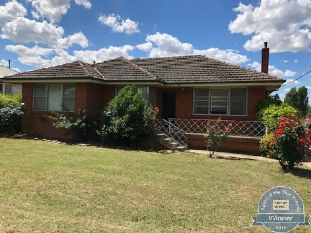 13 Mont Street, Yass, NSW 2582