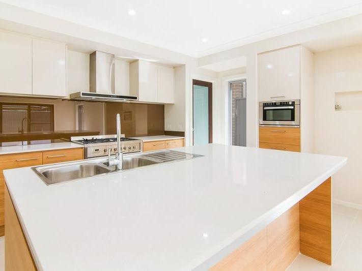 5 Bemurrah Street, Jordan Springs, NSW 2747