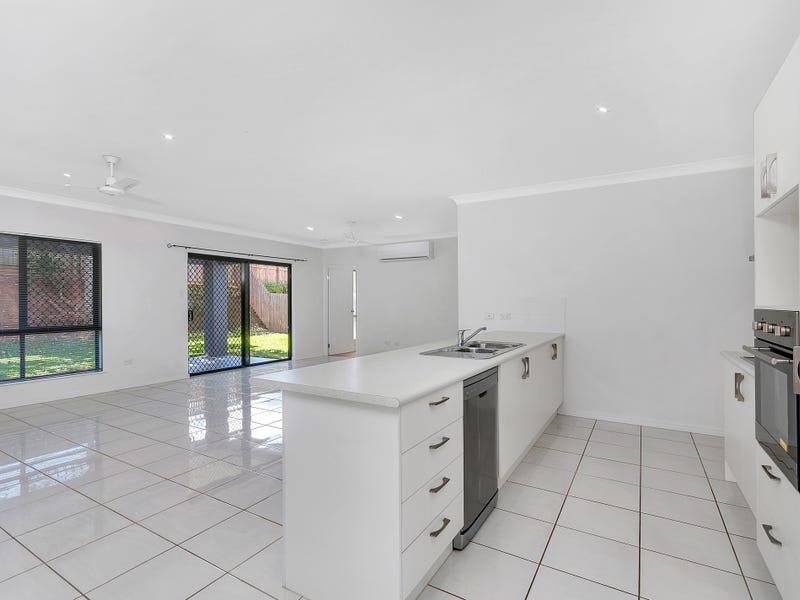 12 Ainscow Drive, Bentley Park, Qld 4869