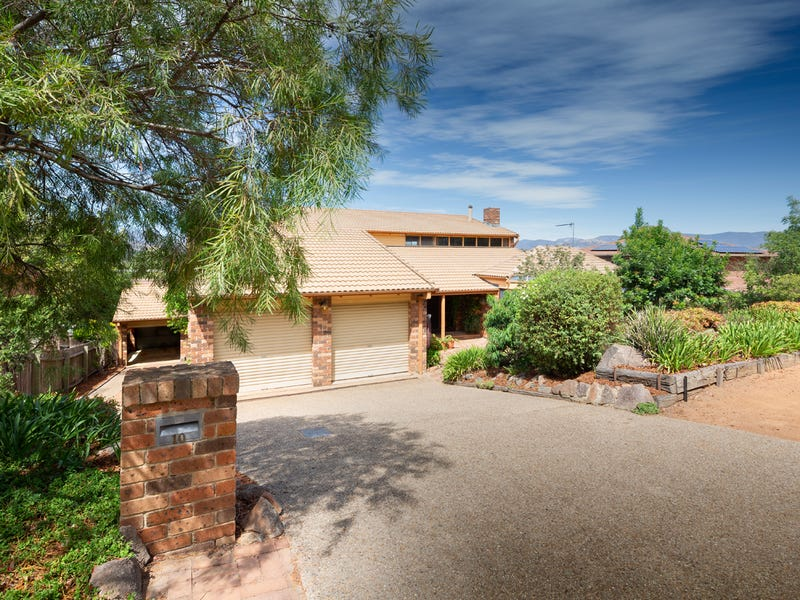 10 Cuthbertson Crescent, Oxley, ACT 2903