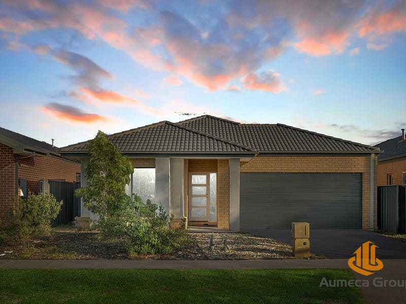 13 Pierbrook Avenue, Manor Lakes, Vic 3024