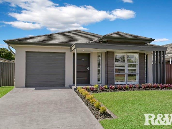 14 Grevillea Drive, St Clair, NSW 2759