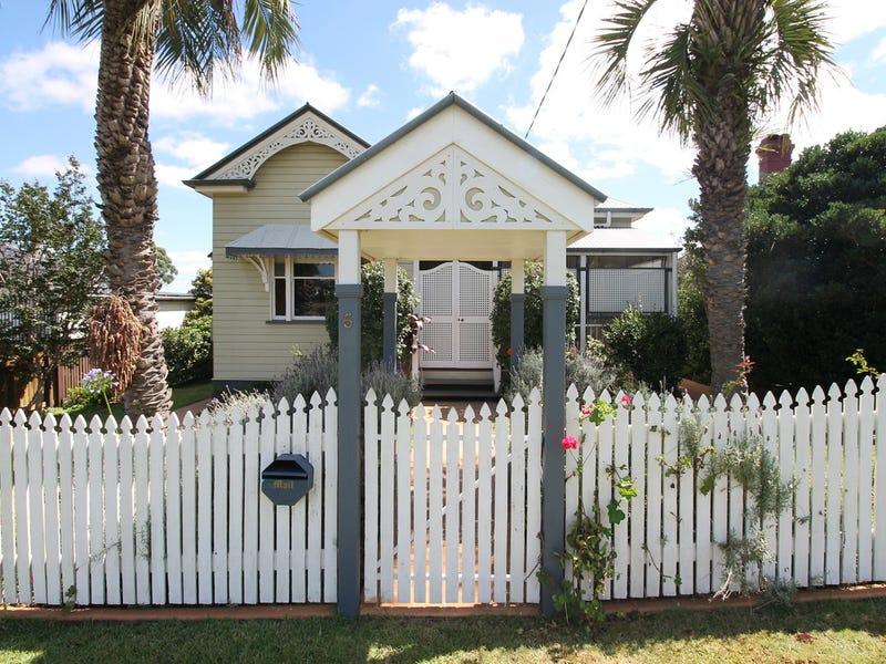 5 Cooper Street, South Toowoomba, Qld 4350