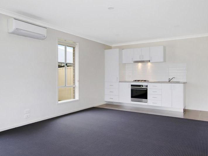 51B Royce Crescent, Lavington, NSW 2641