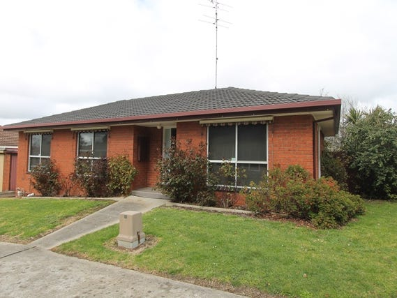 11/106 Burnbank Street, Lake Wendouree, Vic 3350