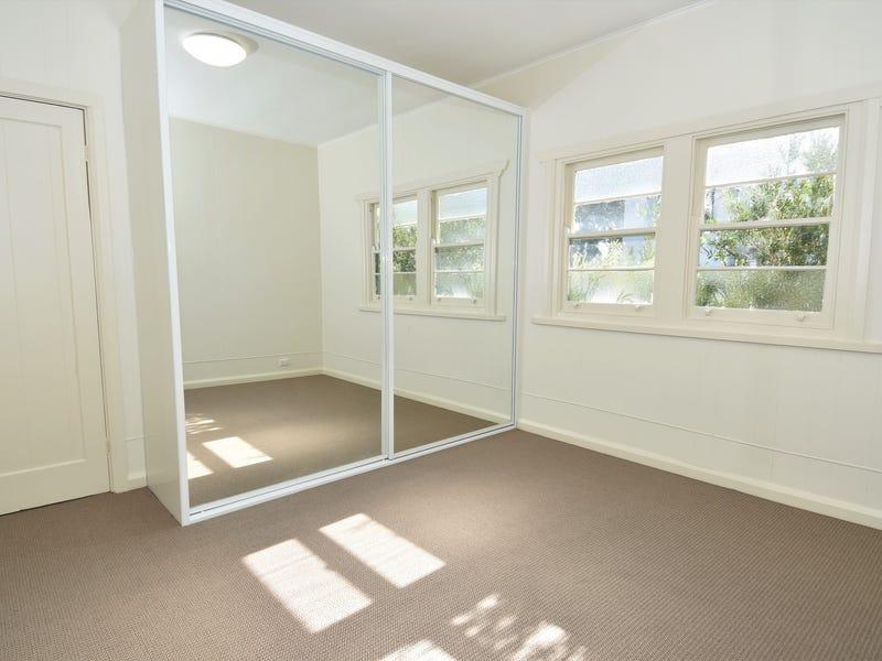 8 Auburn Street, Sutherland, NSW 2232