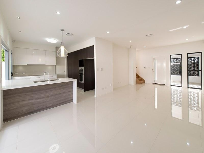 28 Katoomba Avenue, Hawthorne, Qld 4171