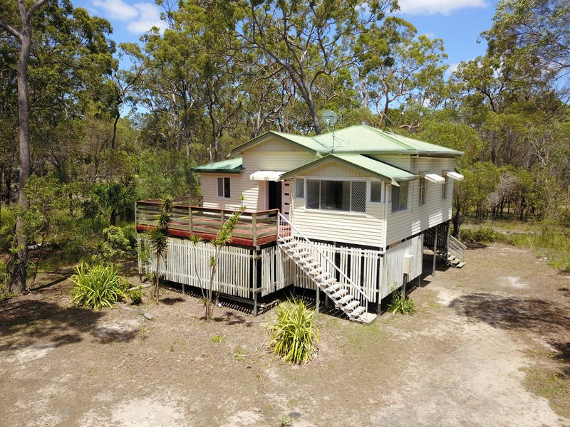 18 Madelyn Close, Moore Park Beach, Qld 4670