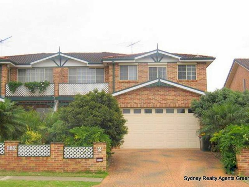 2/182 Wilson Road, Green Valley