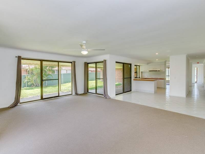 83 Parkes Drive, Helensvale, Qld 4212
