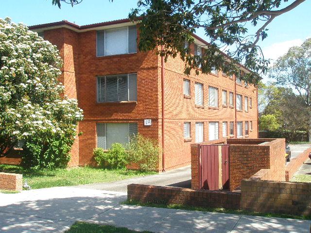 2nd floor/90 regent street, Regents Park, NSW 2143