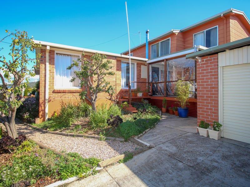 9 Watkinson Street, Devonport, Tas 7310