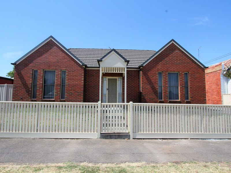1/632 Doveton Street North, Soldiers Hill, Vic 3350