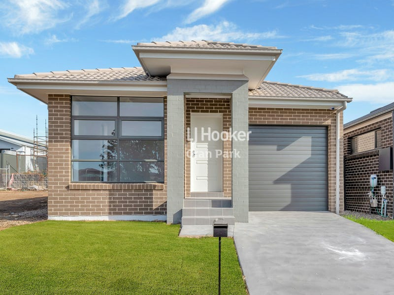 37 Mimosa Street, Gregory Hills, NSW 2557
