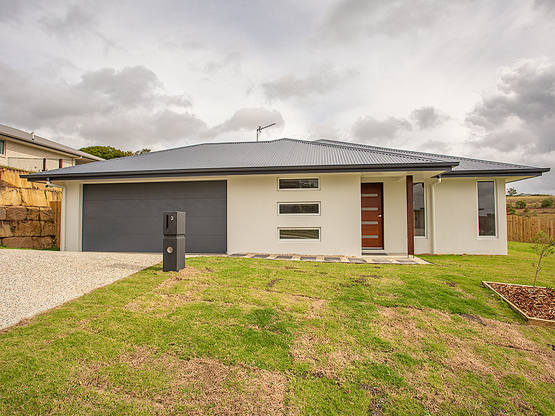 3 Serenity Drive, Southside, Qld 4570