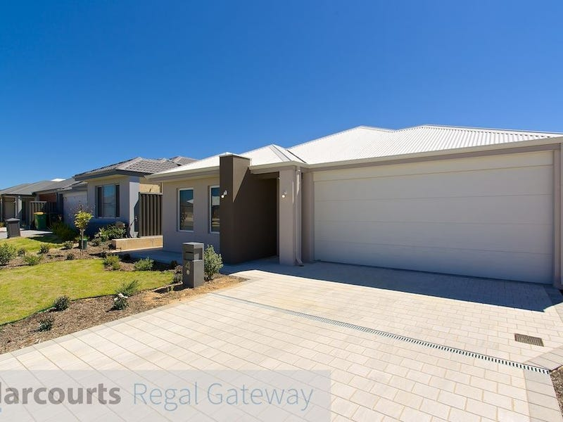 4 Massicot Road Treeby WA 6164 - House for Rent #426549574
