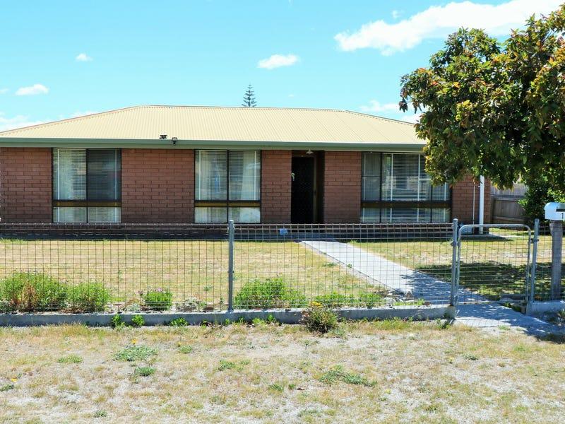 1 Byatt Court, Scamander, Tas 7215