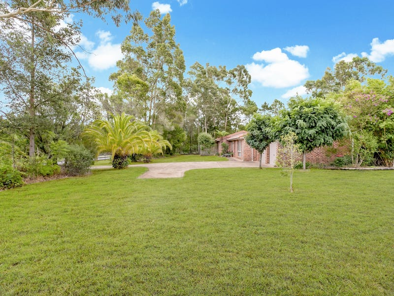 22 Tartarian Crescent, Bomaderry, NSW 2541