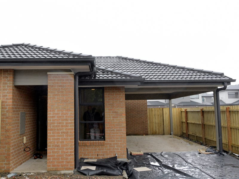 Braybrook, address available on request