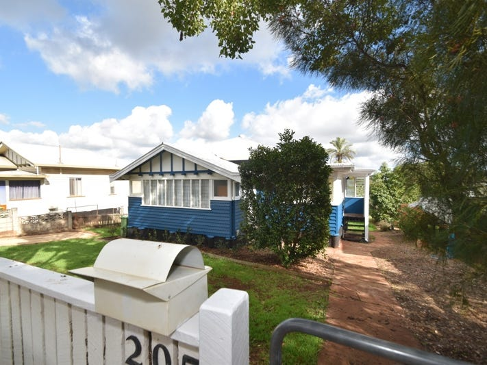 205 Ruthven Street, North Toowoomba, Qld 4350