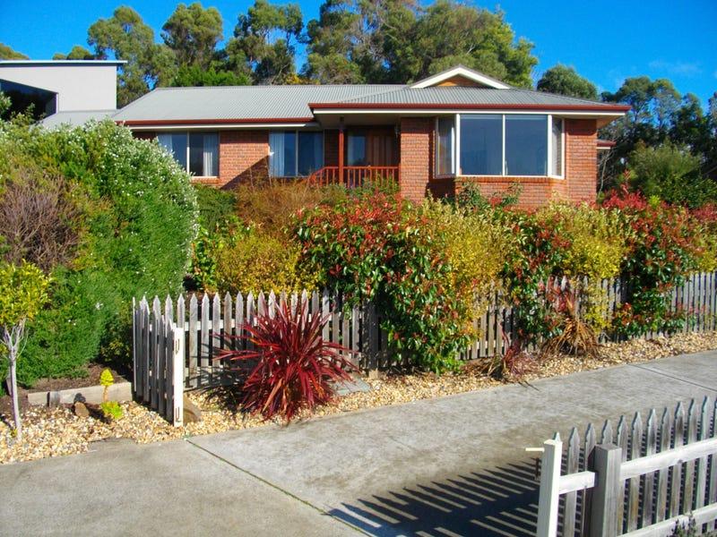 33 Sandra Drive, Blackmans Bay, Tas 7052