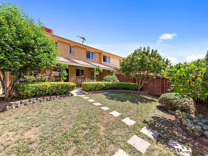 335 Anthony Rolfe Avenue, Gungahlin, ACT 2912