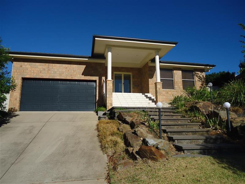 117 Kaloona Drive, Bourkelands, NSW 2650