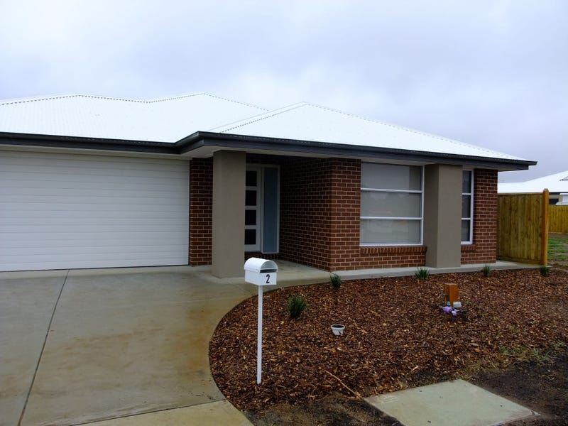 2 Admiral Close, Cowes, Vic 3922