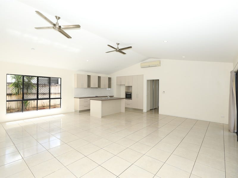 7 Finniss Crescent, Bentley Park, Qld 4869