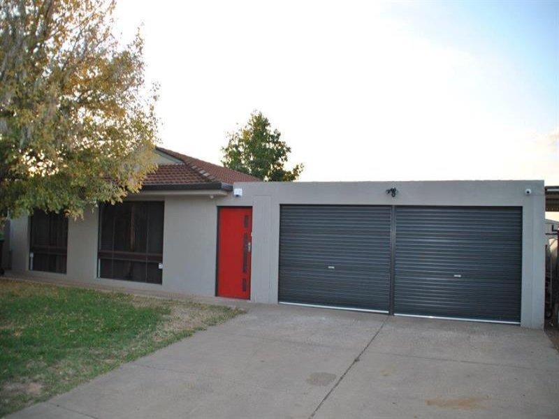 8 Naretha Street, Glenfield Park, NSW 2650