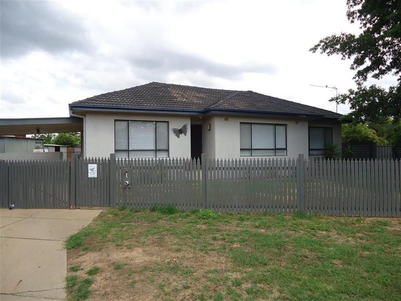 32 Anne Street, Tolland, NSW 2650