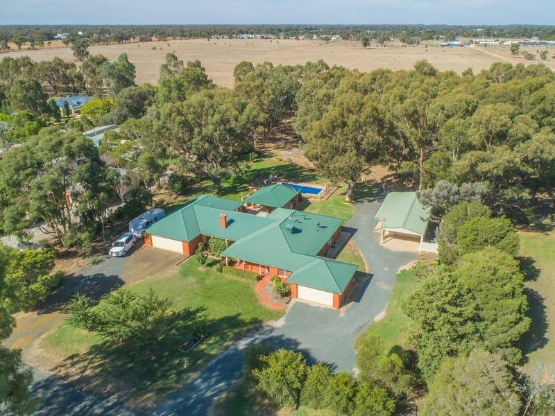 15 Charters Drive, Moama, NSW 2731
