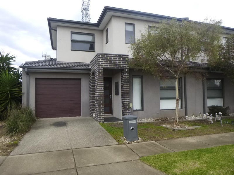 1/2 Ozzimo Way, Werribee, Vic 3030