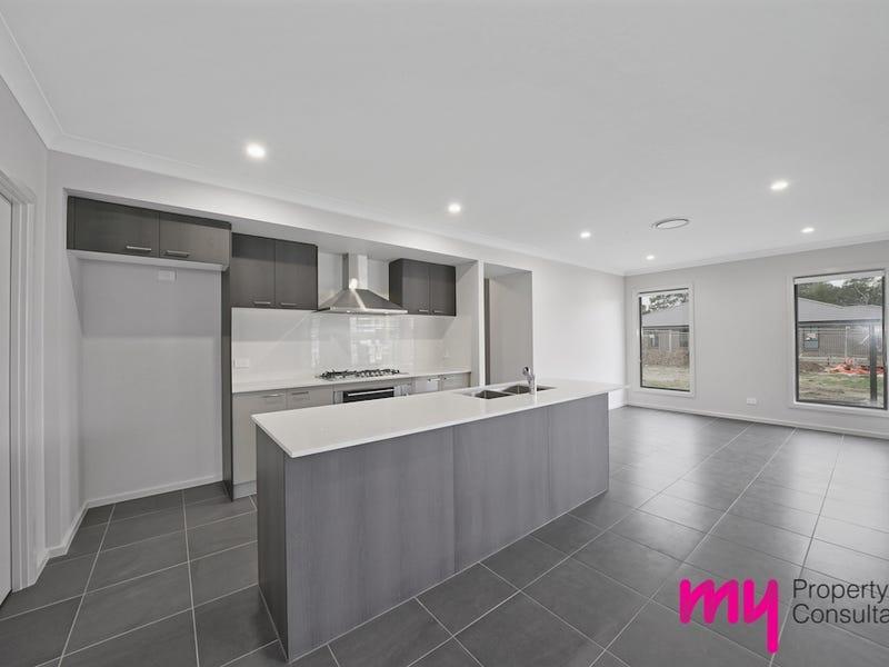 15 Stanton Street, Thirlmere, NSW 2572