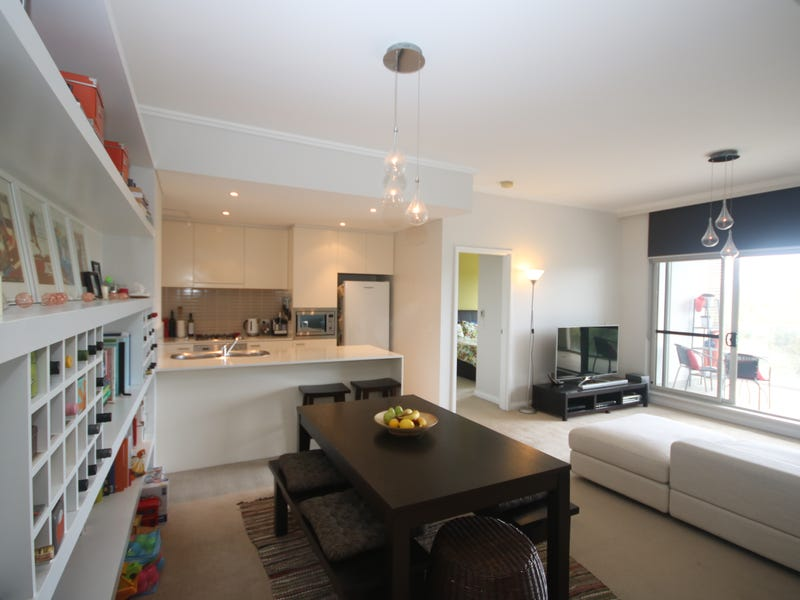 582/33 Hill Road, Wentworth Point, NSW 2127
