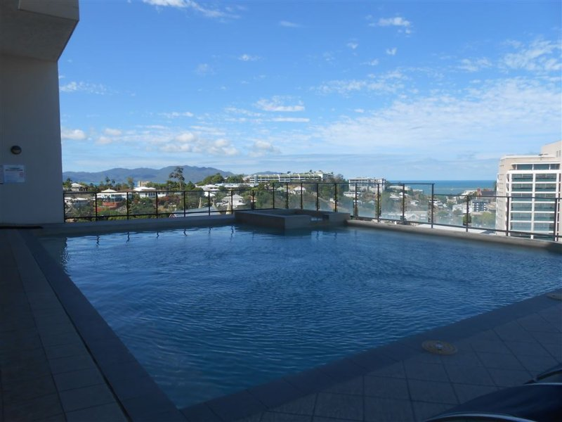 4/209 Wills Street, Townsville City, Qld 4810
