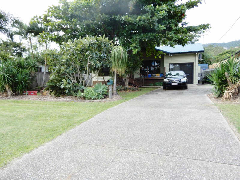 124  Shute Harbour Road, Cannonvale, Qld 4802