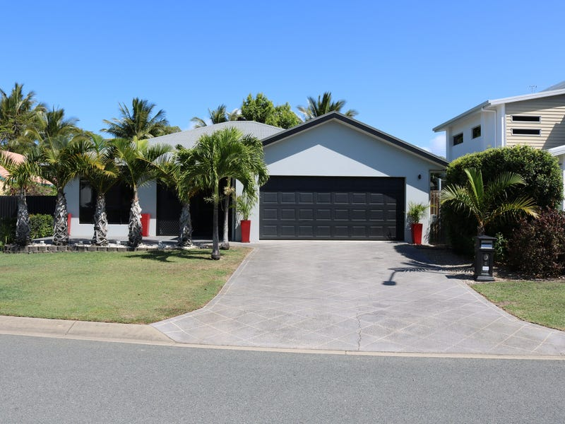 8 Turtle Place, Blacks Beach, Qld 4740