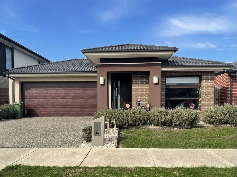 11 Cardex Road, Clyde North, Vic 3978