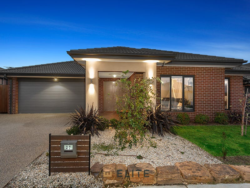 27  Trainers Way, Clyde North, Vic 3978