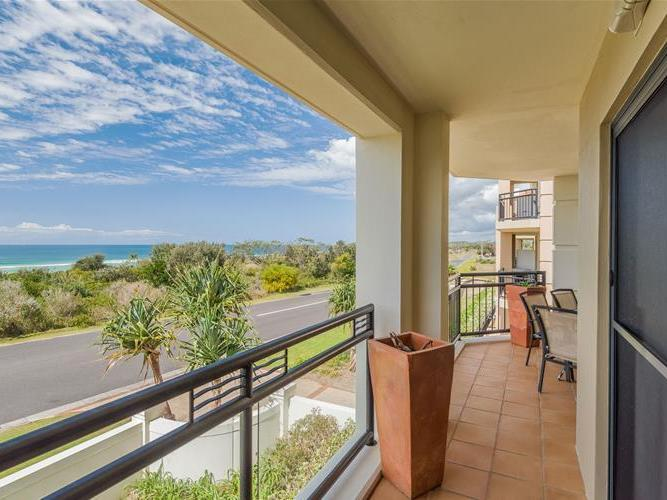 Sands 32/20 Pacific Parade, Yamba, NSW 2464