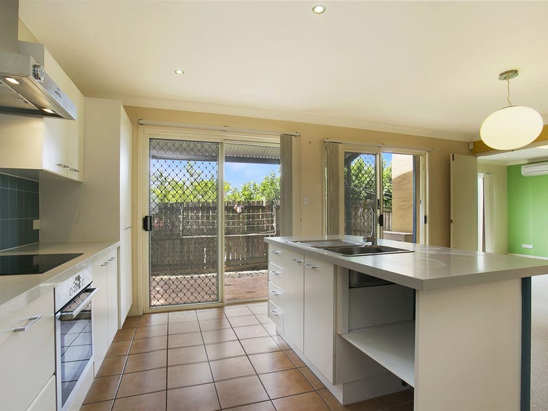 9/82 Russell Terrace, Indooroopilly, Qld 4068
