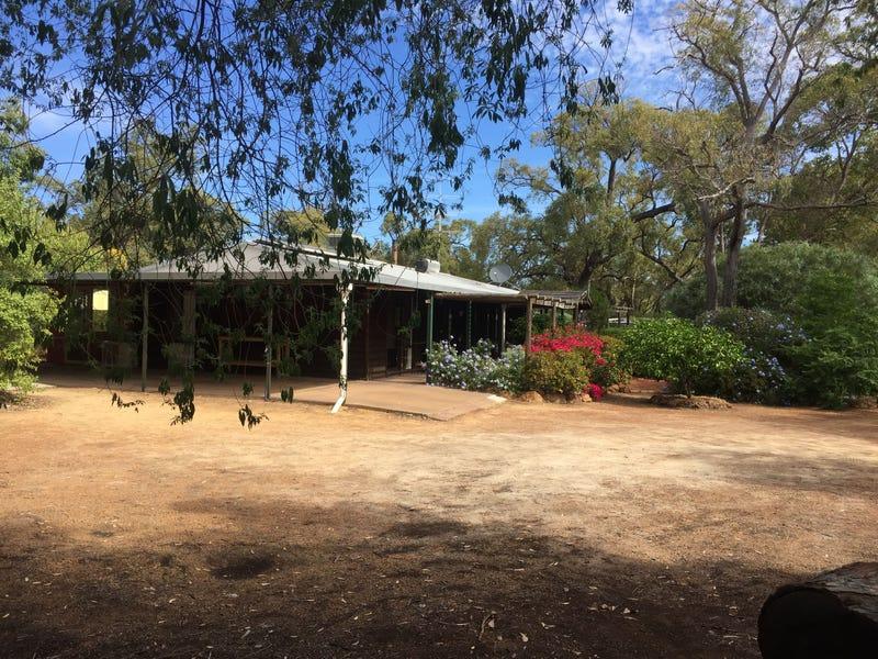 79 Powder Bark Road, Toodyay, WA 6566