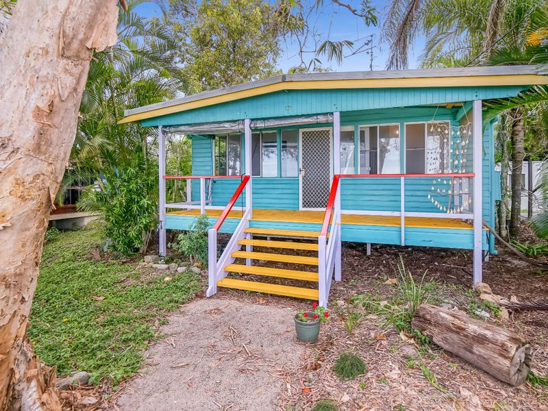 121 O'Shea Esplanade, Machans Beach, Qld 4878