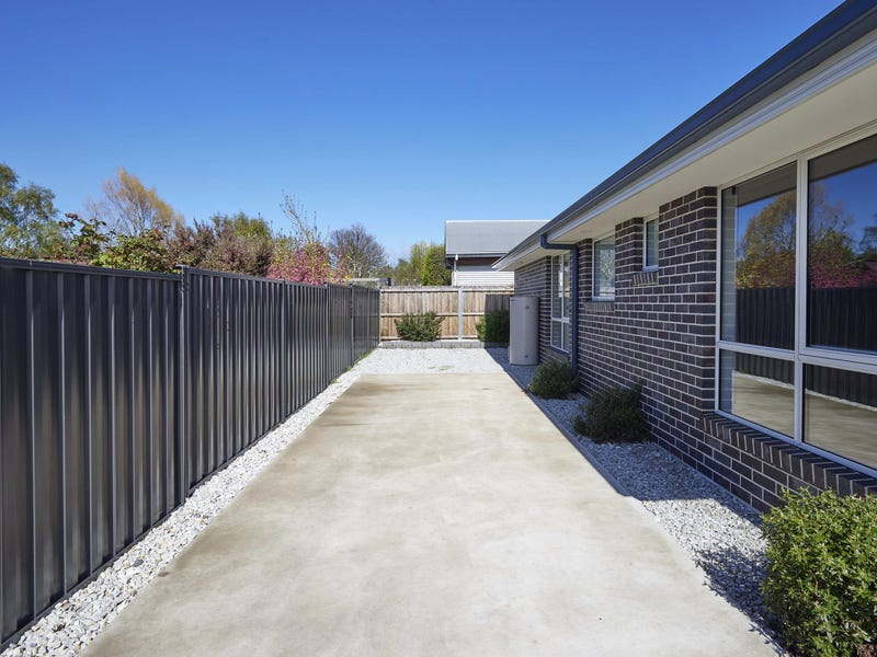 Unit 2/56 West Barrack St, Deloraine, Tas 7304