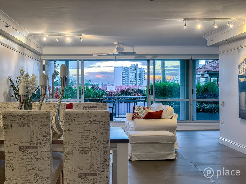 10/30 O'Connell Street, Kangaroo Point, Qld 4169