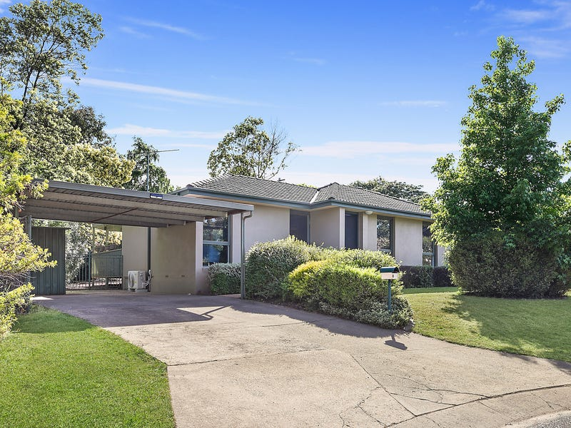 8 Eaton Place, Monash, ACT 2904