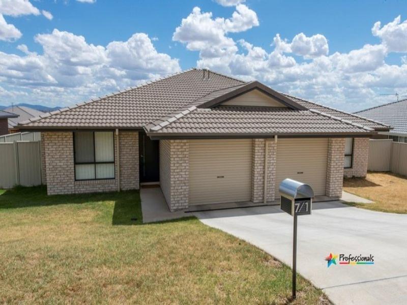 1/7 Kaputar Close, Tamworth, NSW 2340
