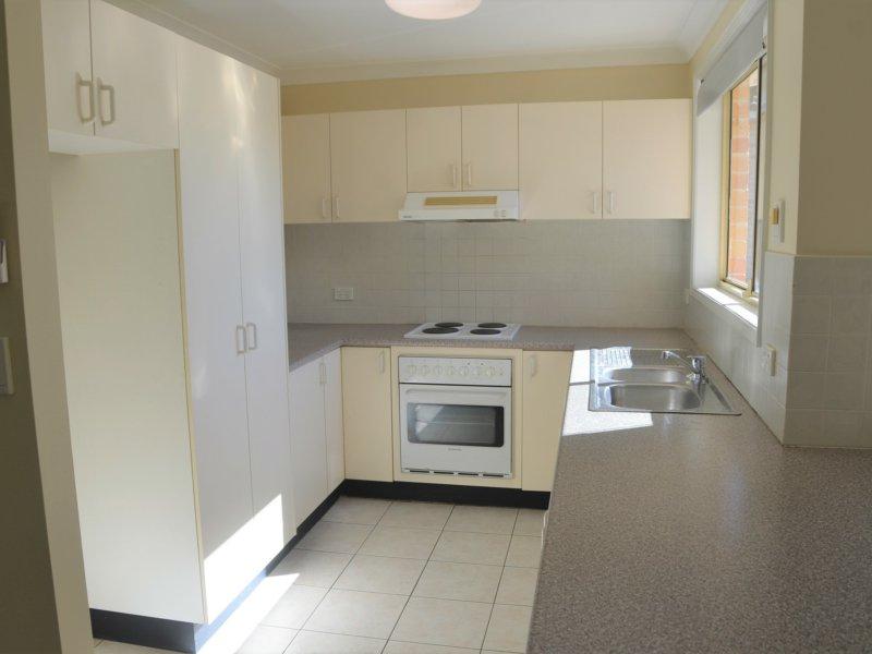 2/93 Metella Road, Toongabbie, NSW 2146